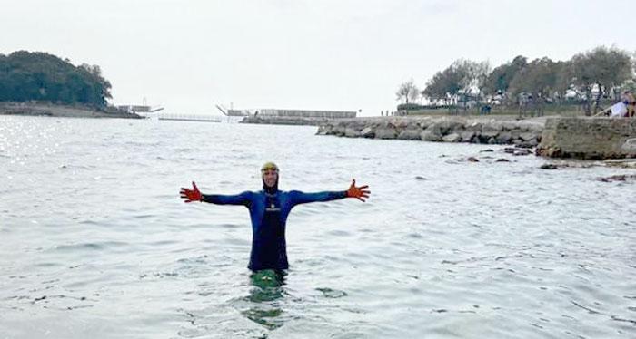 Kaltwasser schwimmen